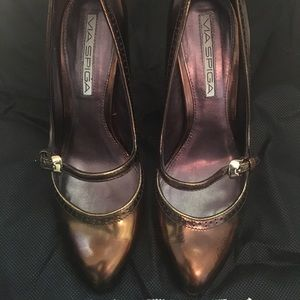 Via Spiga. Bronze Metallic heels.  Size 4 1/2.